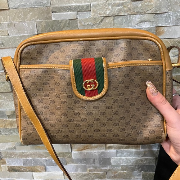 ❤️sold❤️Gucci Sherryline Sling bag with pouch